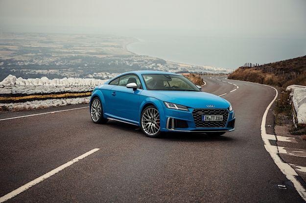 Nuova Audi TT e TTS Coupé e Roadster: il restyling della terza generazione