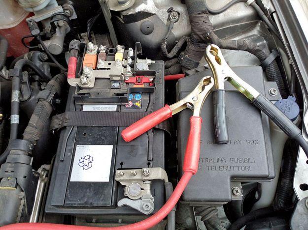 come far partire auto batteria scarica