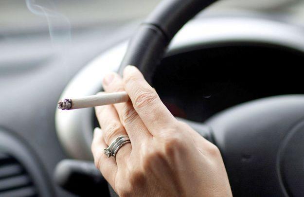 divieto fumo in auto