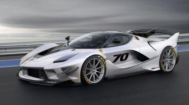 Ferrari FXX-K Evo: 1050 CV e 23% in più di downforce la incolla all'asfalto [FOTO]