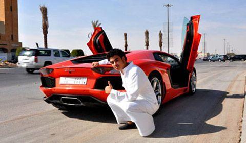 Vendite supercar: crisi e nuove tasse colpiscono Ferrari, Porsche e Lamborghini
