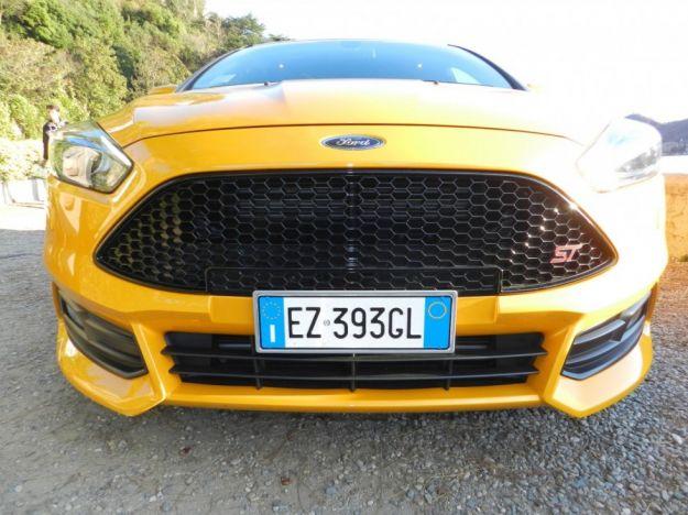 Ford Focus ST: prova su strada, prezzo e scheda tecnica [FOTO e VIDEO]