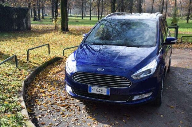 Ford Galaxy 7 posti: bagagliaio, interni, prezzo, consumi e prova su strada [FOTO]