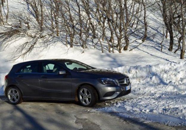 Come guidare sulla neve con gomme termiche: i nostri consigli