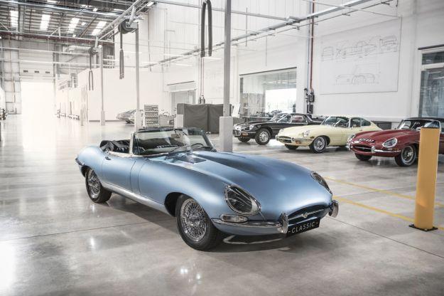 Jaguar E-Type Zero: il mito si trasforma in auto elettrica [FOTO]