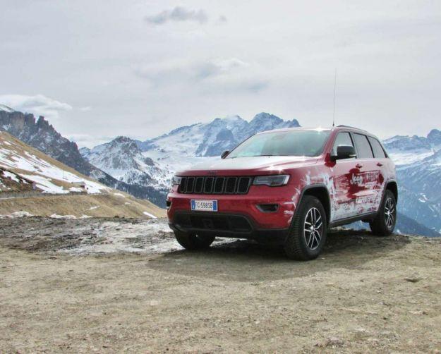 Jeep Grand Cherokee: prova su strada della 3.6 V6 benzina, 3.0 V6 diesel e 6.4 HEMI SRT [FOTO]