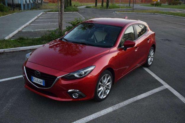 Mazda 3 2016: prezzi, interni, dimensioni e prova su strada [FOTO]