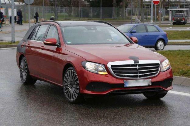Mercedes Classe E SW: le foto spia della nuova station wagon [FOTO]