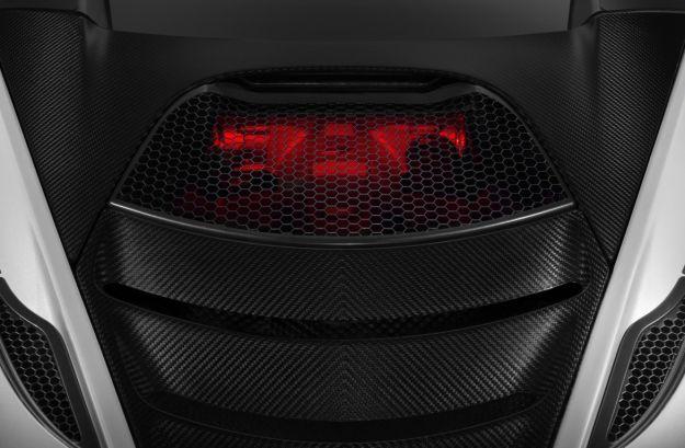 McLaren P14, foto spia: nuovo motore 4 litri per la Super Series
