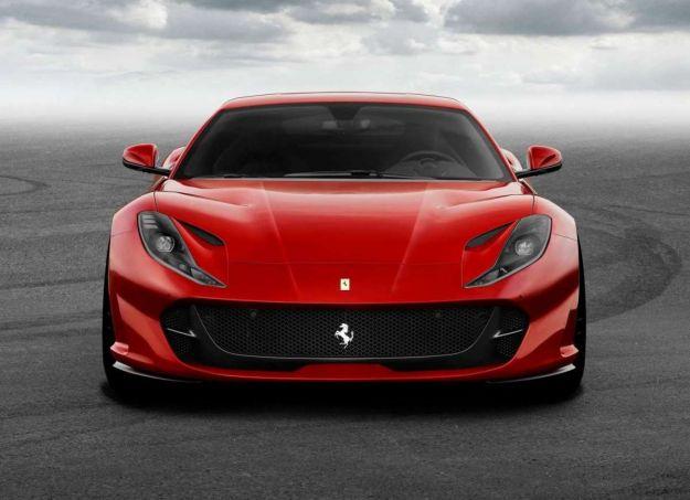Ferrari 812 Superfast: confronto con le concorrenti dirette [FOTO]