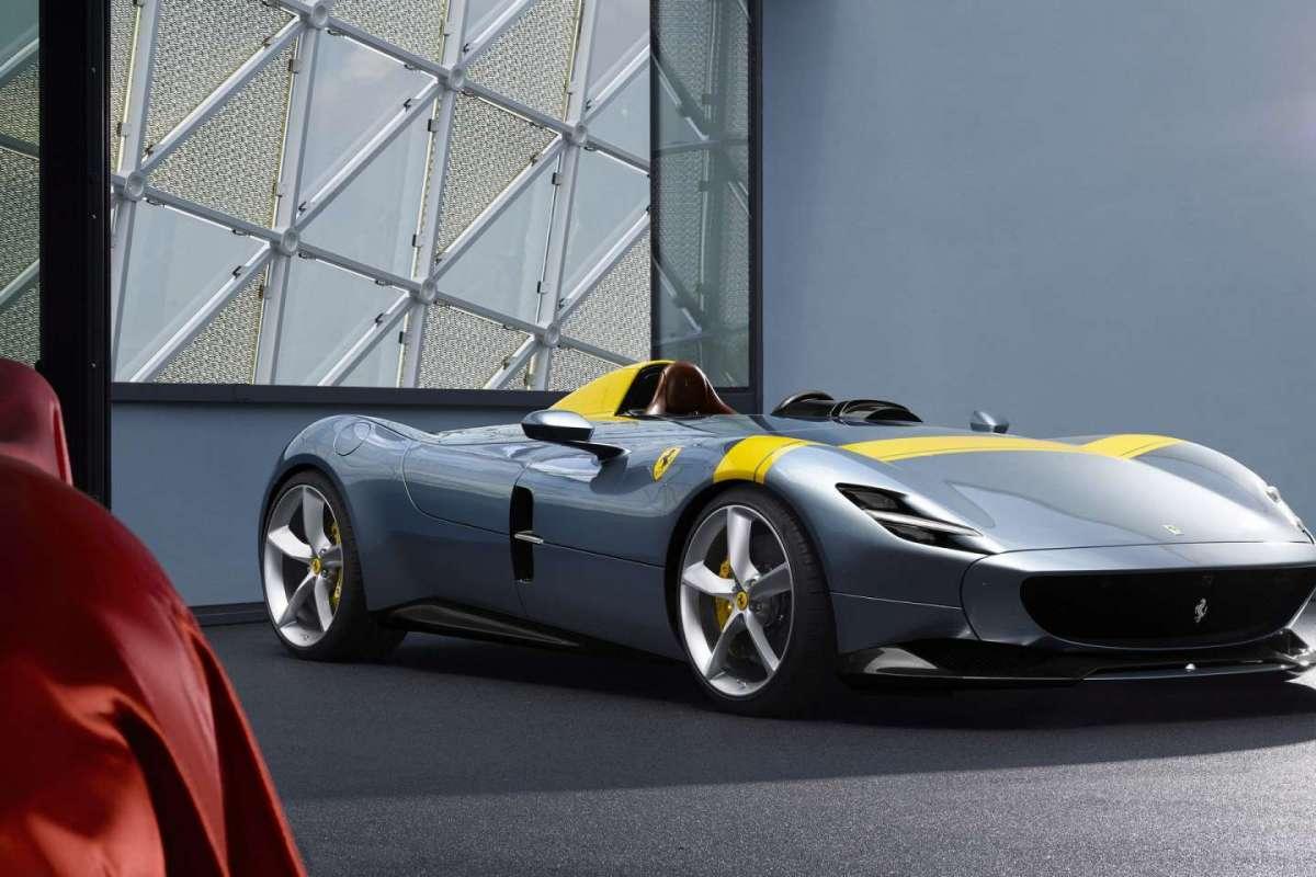 Compasso d'Oro 2020, premiata la Ferrari SP1 Monza. Menzione d'onore per Vespa