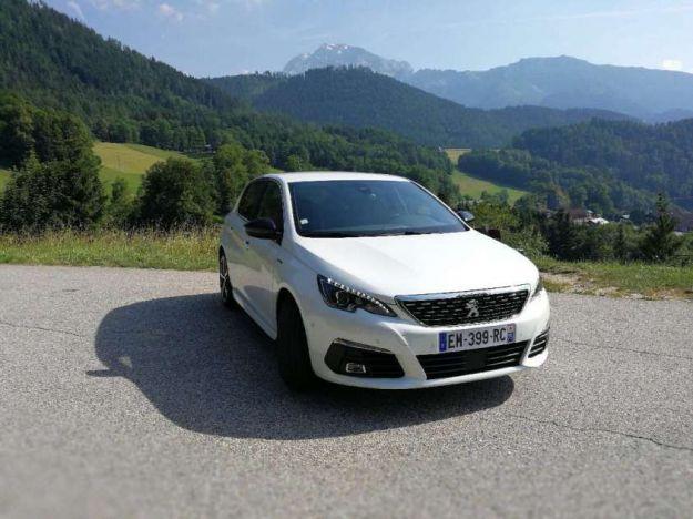 Nuova Peugeot 308 2017 restyling: prezzo, interni, uscita e prova su strada [FOTO]