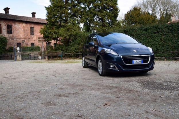 Peugeot 5008: prova su strada, prezzi, dimensioni e interni [FOTO e VIDEO]