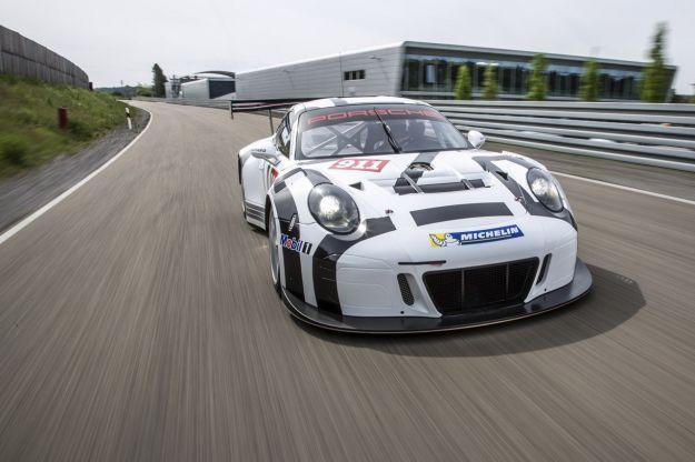 Porsche 911 GT3 R 2015: la tedesca da corsa, pronta per la pista [FOTO]