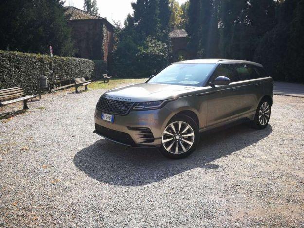 Range Rover Velar, prova su strada: prezzo, interni, dimensioni e motori