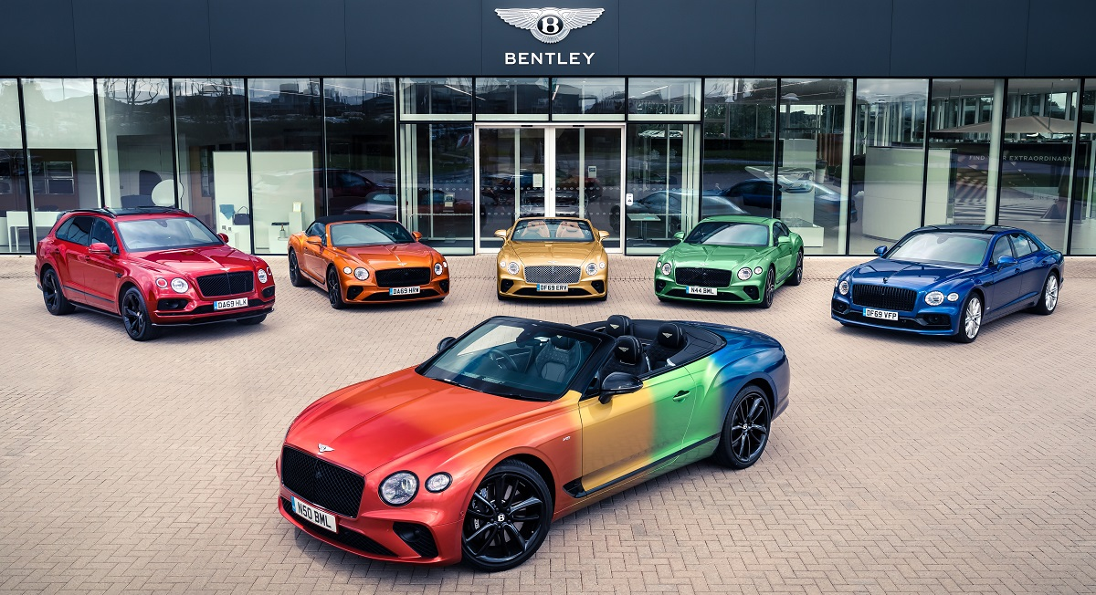 Bentley Continental GT, in versione arcobaleno per il Virtual Pride