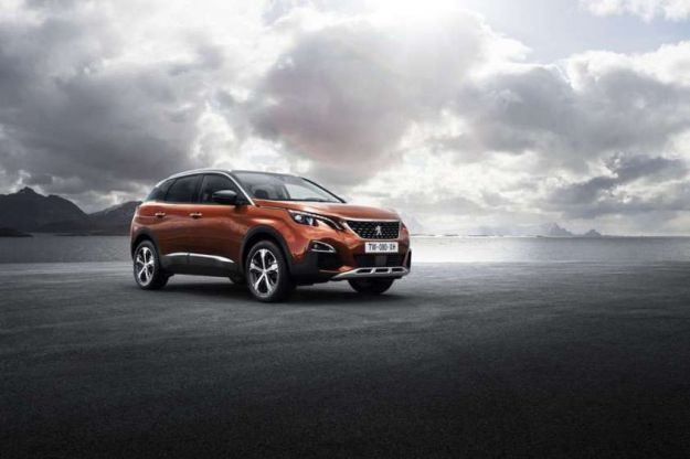 Auto dell'anno 2017: Peugeot 3008 va a vincere il titolo Car of The Year [FOTO]