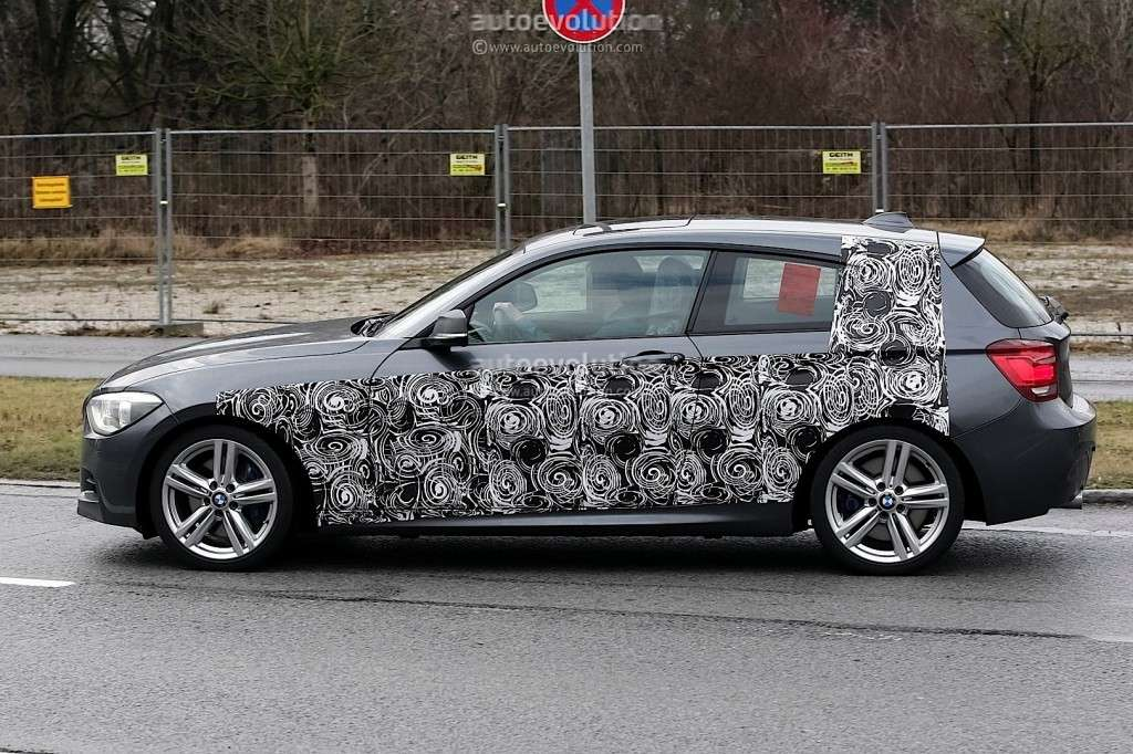 BMW M135i, laterale