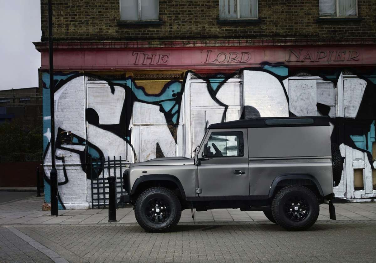 Land Rover Defender XTech - laterale (2)