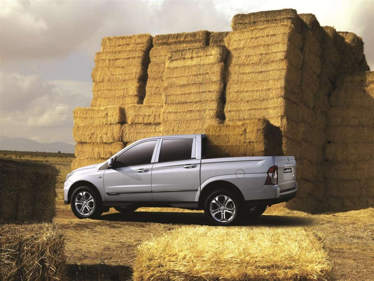 SsangYong Actyon Sports 2012 vista laterale