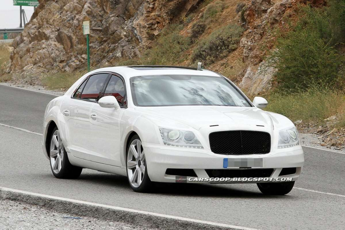 Bentley Continental Flying Spur 2014 foto spia