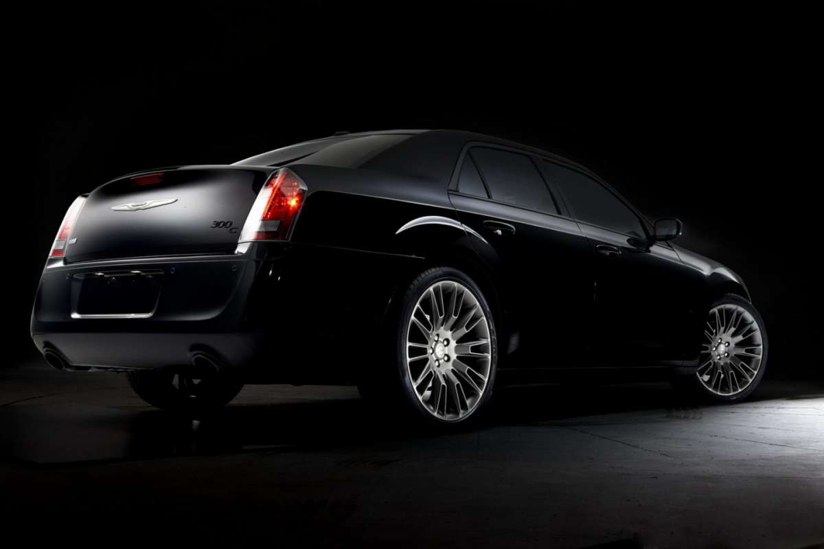 Chrysler 300C John Varvatos Edition posteriore