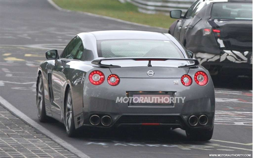 Nissan GT-R Restyling-foto spia-posteriore