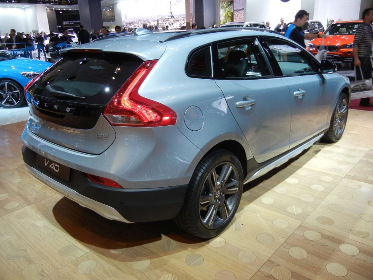 Volvo V40 Cross Country posteriore