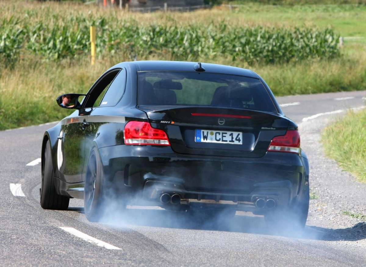 Bmw Serie 1 M by Manhart MH1 S Biturbo posteriore
