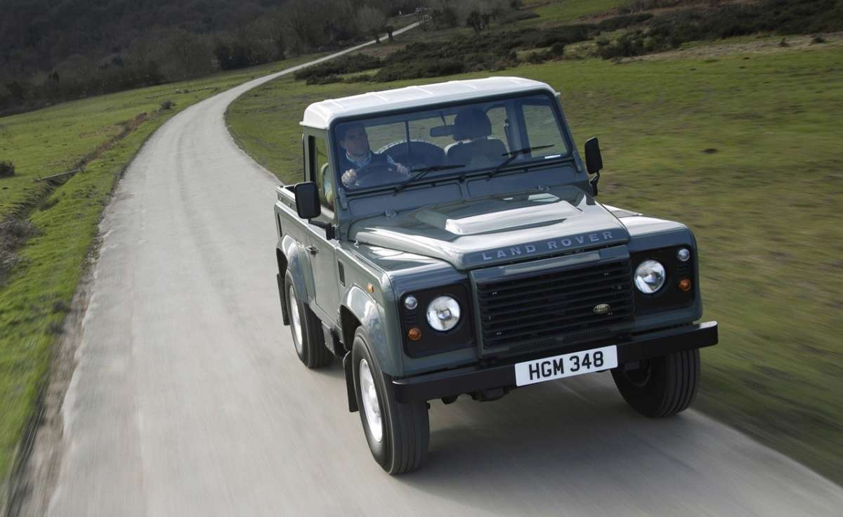 Land Rover Defender Pick Up frontale
