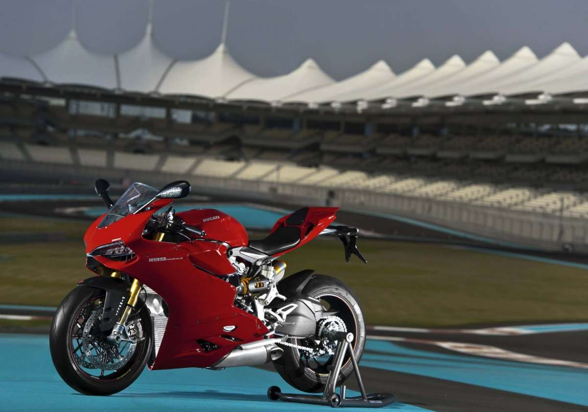 Ducati 1199 Panigale S MY 2013 Side 7