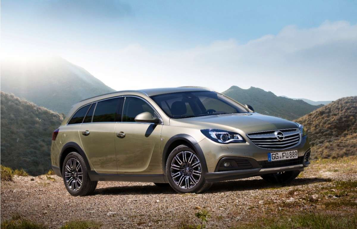 Opel Insignia Country Tourer, frontale