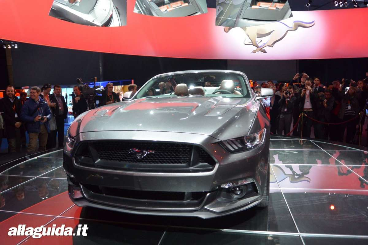 nuova Ford Mustang convertible, frontale