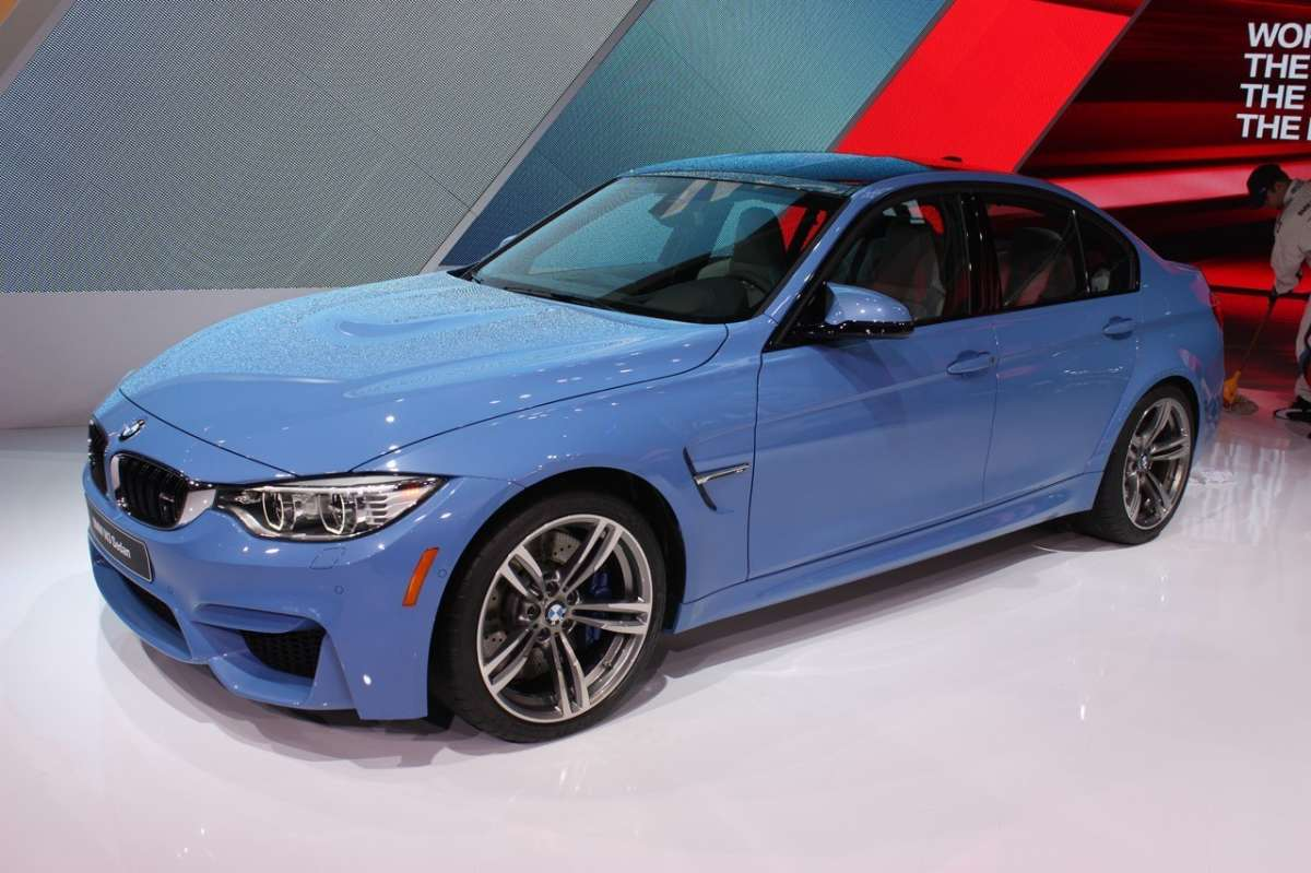 Bmw M3 berlina fiancata