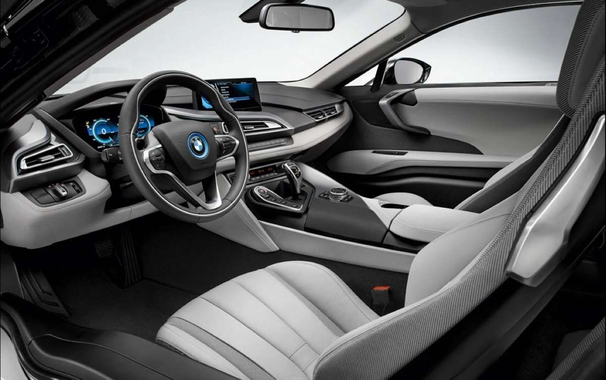 BMW i8 interni