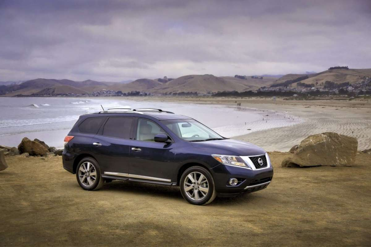Nissan Pathfinder 2013 laterale