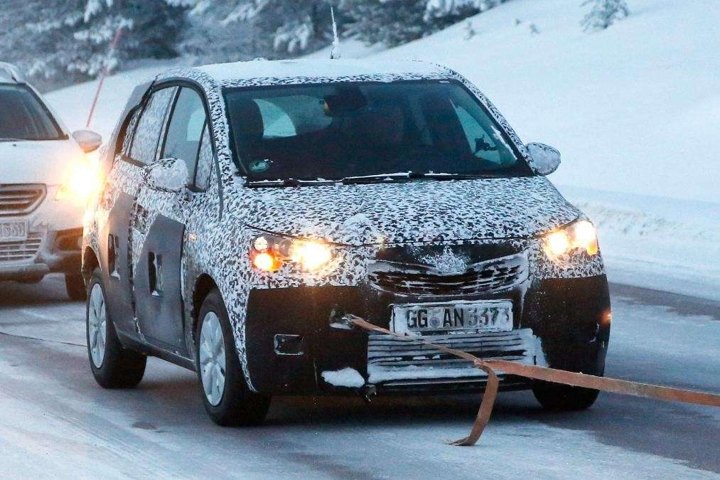 Test in Svezia di Opel Meriva 2017