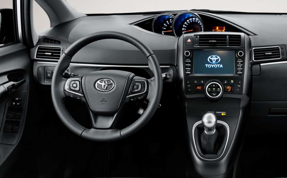 Toyota Verso 2016, nuovo Toyota Touch 2