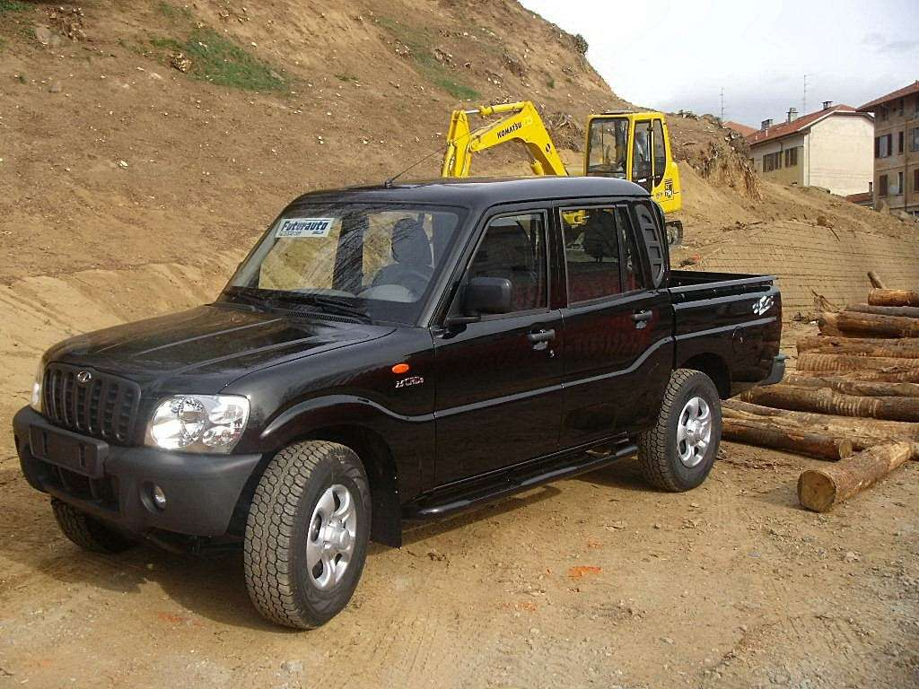 Mahindra Goa Pick Up frontale