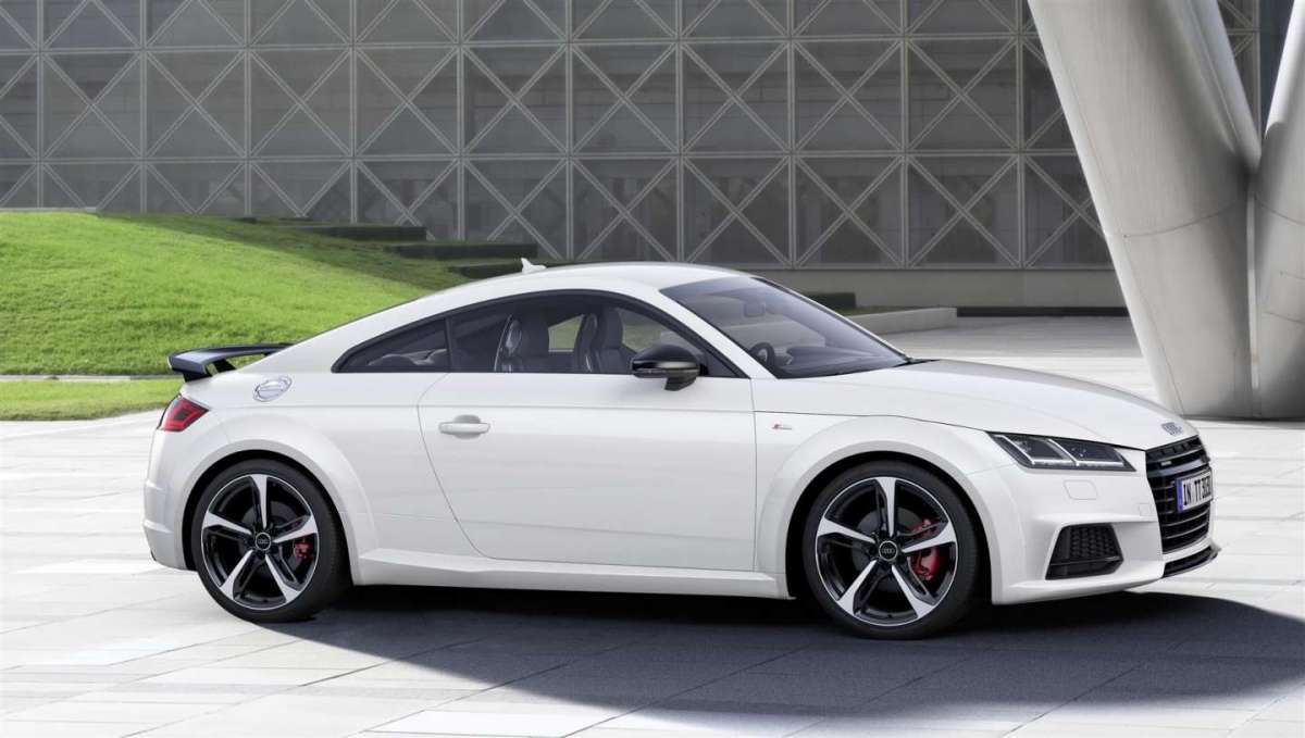 Audi TT S Line competition coupe