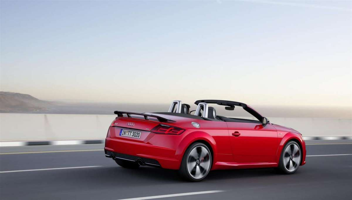 Audi TT S Line competition roadster