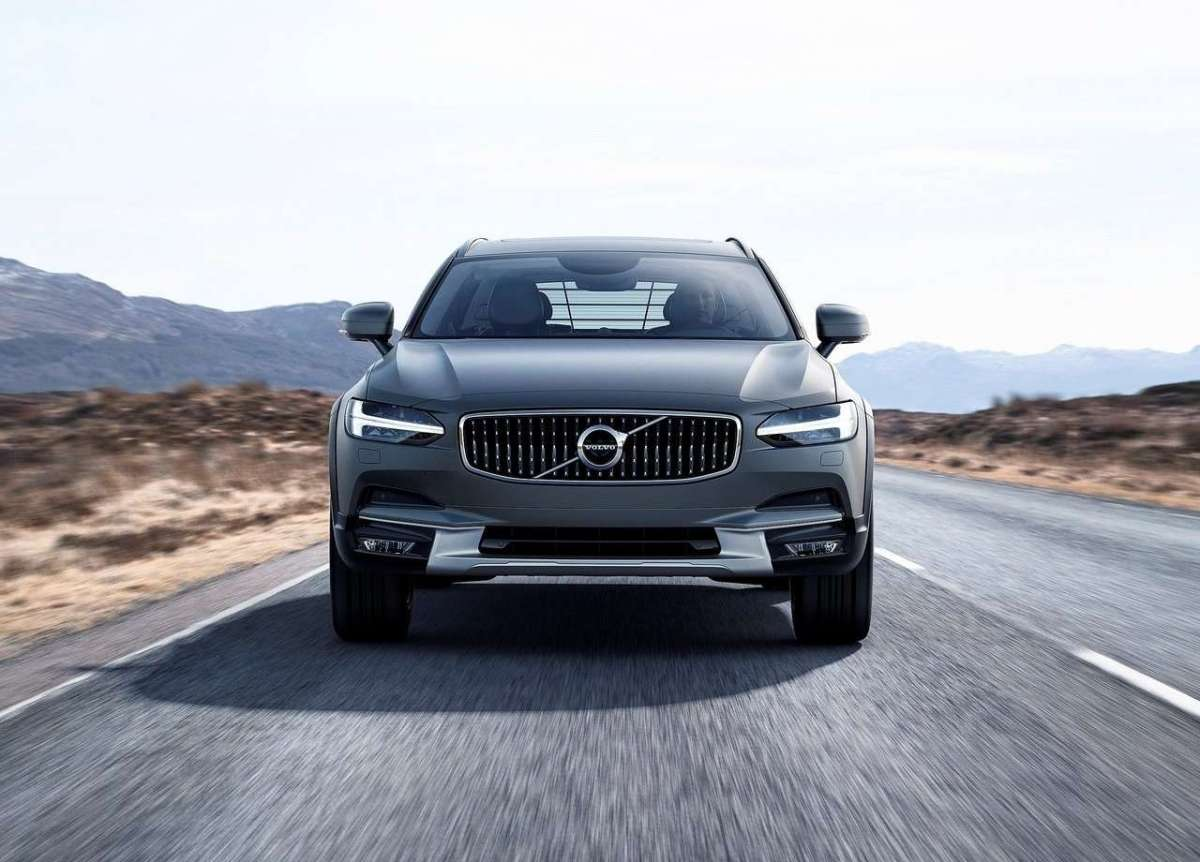Nuova Volvo V90 Cross Country 2016