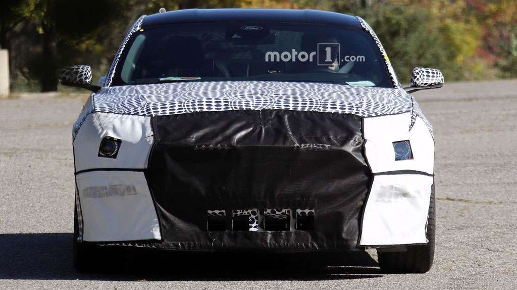 Ford Mustang 2018 foto spia anteriore