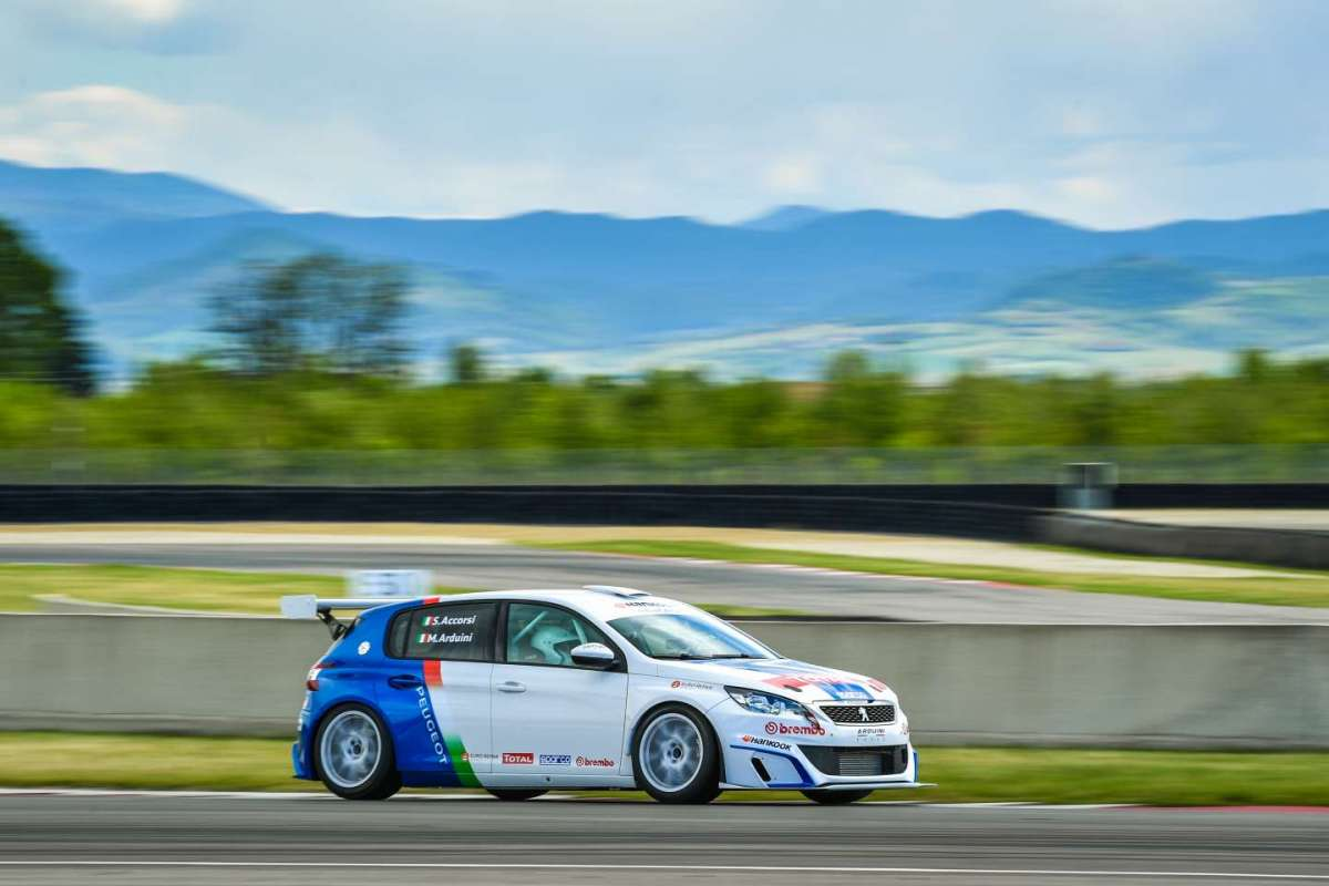 Peugeot 308 Racing Cup laterale anteriore