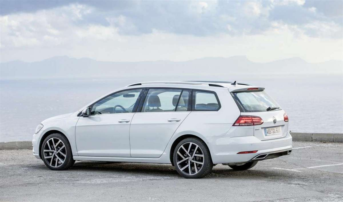 Laterale posteriore della Golf Variant Restyling 2017