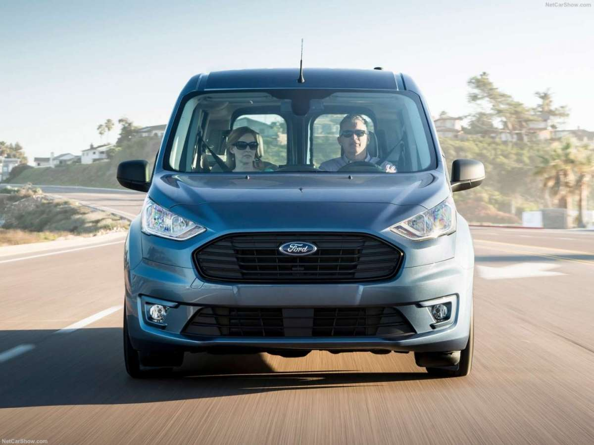Ford Transit Connect Wagon Muso e frontale