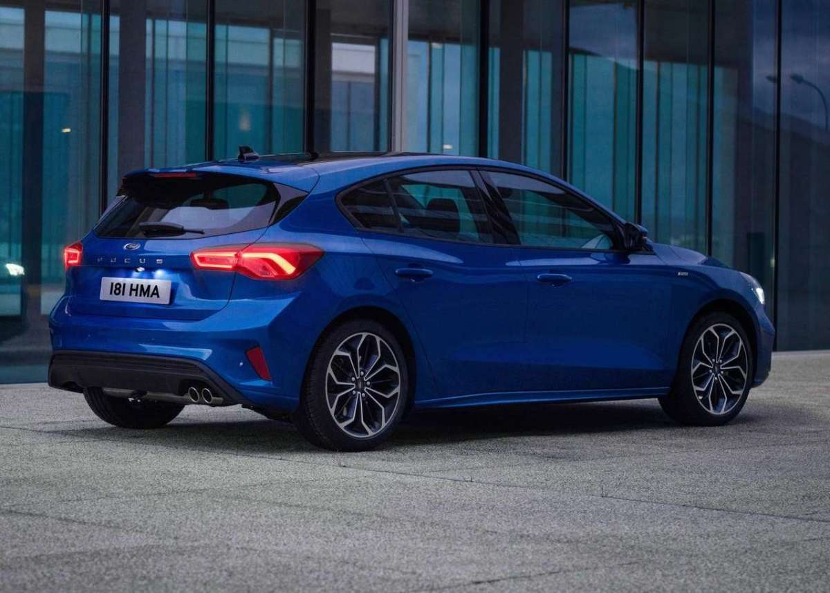 Ford Focus 2018 ST-Line angolo dietro