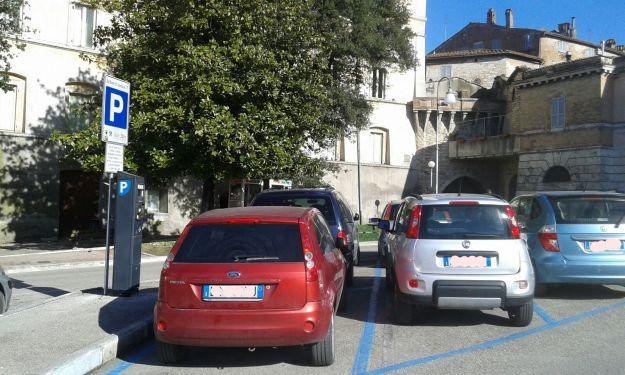 multa per parcheggio scaduto costi