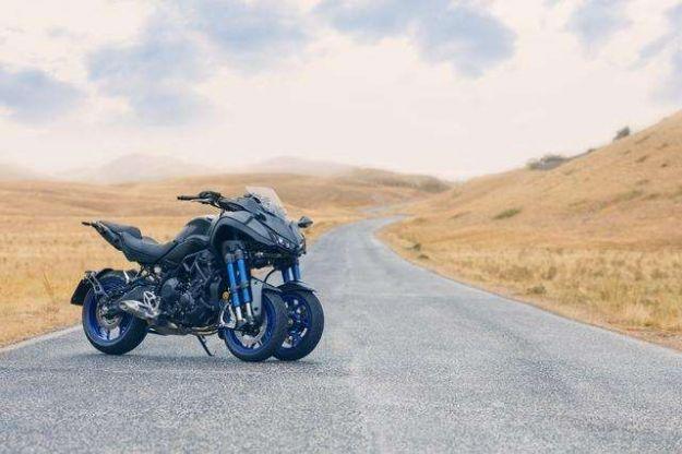 Yamaha Niken 2018: prezzo della moto con tre ruote presentata ad EICMA